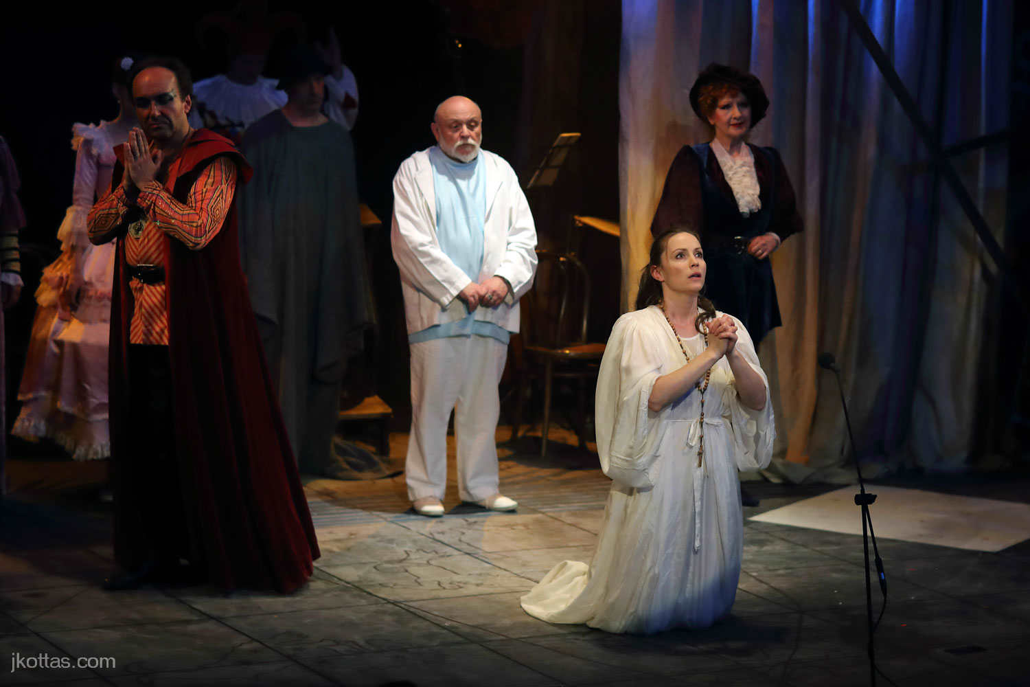 faust-and-margaret-36
